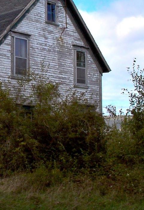 abandoned house on Thibodeau's hill